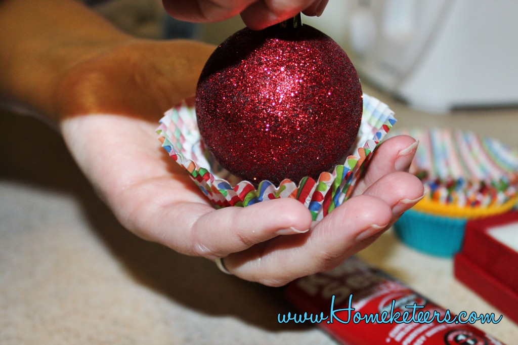 How to Make Cupcake Christmas Ornaments