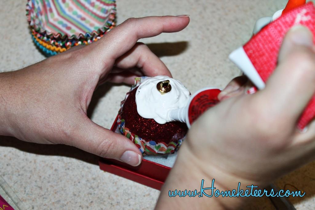 How to Make Cupcake Christmas Ornaments