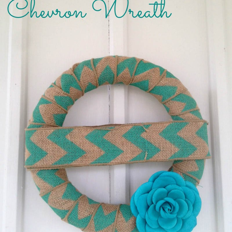 DIY Simple Chevron & Burlap Wreath